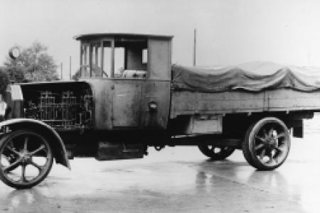 Pierwsza ciężarówka z silnikiem Diesla